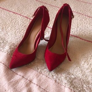 Red hot Anne Michelle pointed toe heels